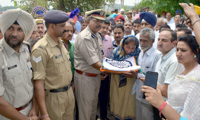 Martyr cremated with honours
