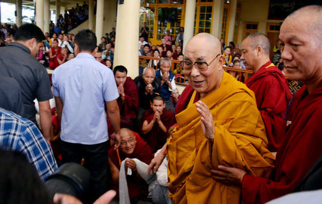 Dalai Lama blesses Tibetans with empowerment teachings