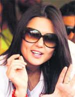 Preity Zinta seen saying 'very happy Mumbai Indians not going to finals' in IPL