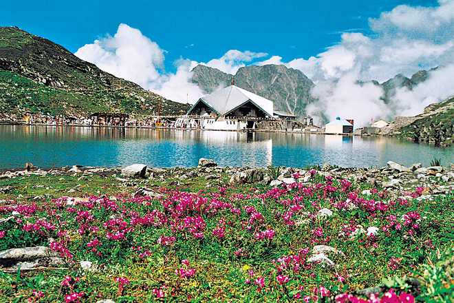 Heli service to Hemkund Sahib shrine resumes