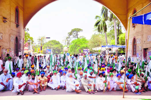 Farmers up in arms against SBI officials