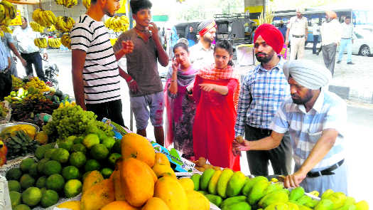 Artificially ripened fruits: Health officials act tough against vendors