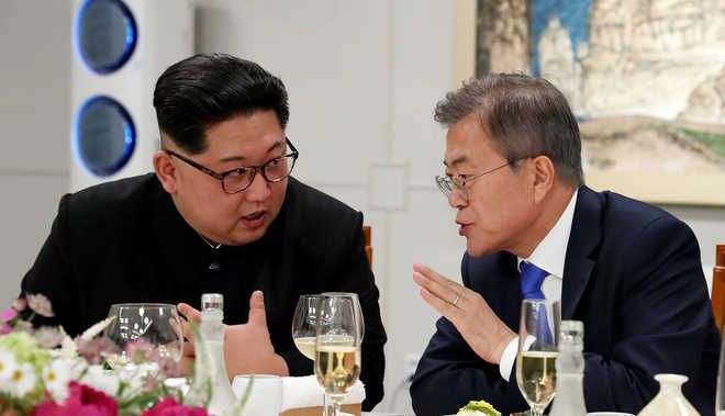 Koreas holding military talks to reduce tensions on border