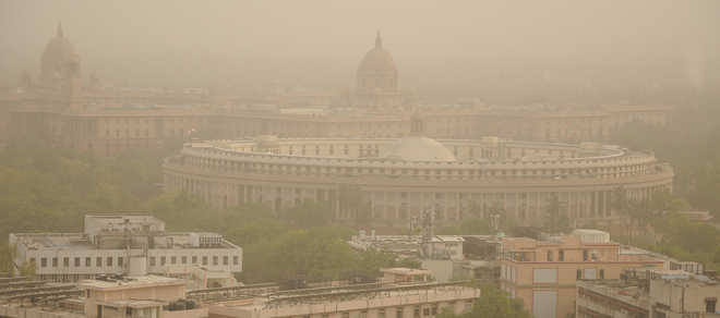Severe dust pollution chokes NCR; relief expected around June 16