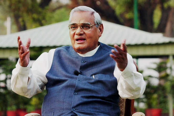 Vajpayee continues to be in ICU of AIIMS