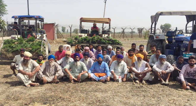 Protest over BSF prohibition to go across fence; seven booked