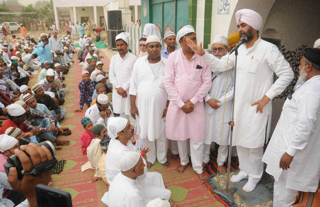 Eid-ul-Fitr celebrated with fervour in city