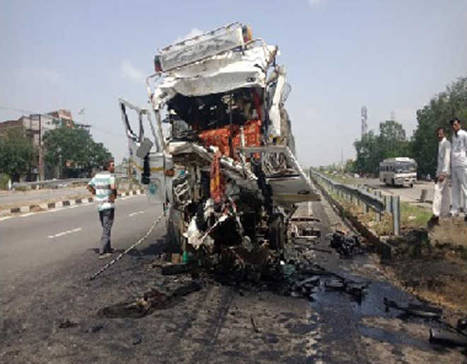 Truck driver, helper killed in accident