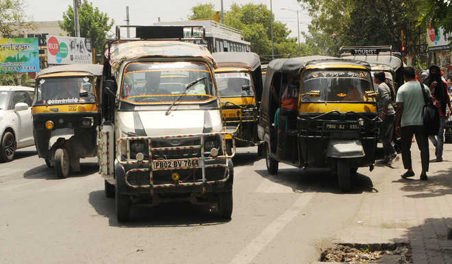 Auto-rickshaw menace continues, HC directions go up in smoke