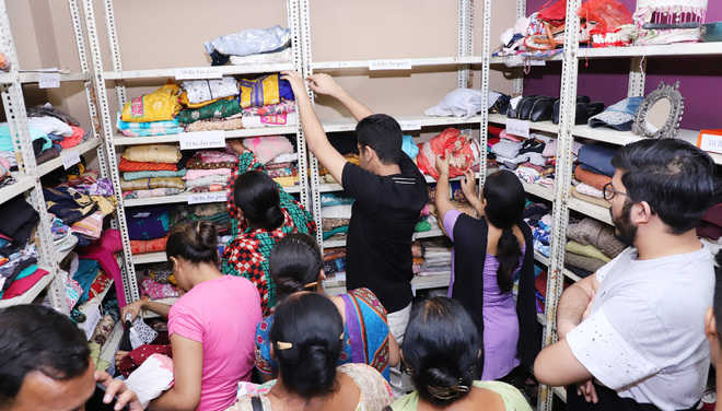 'Anokhi Dukaan' aims to sell old items to the underprivileged