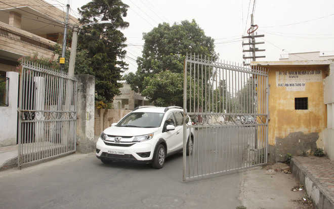 Giving MC Act the go-by, illegal gates installed by residents