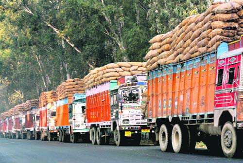 Trucks entering Delhi to pay environmental tax, says NGT