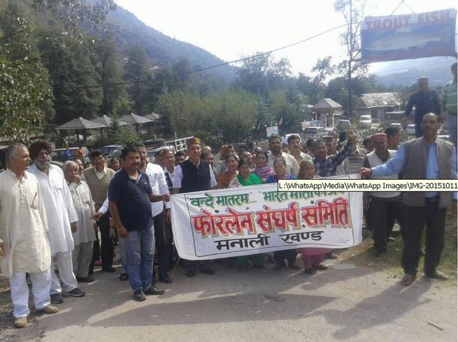 Farmers to meet Virbhadra over land acquisition