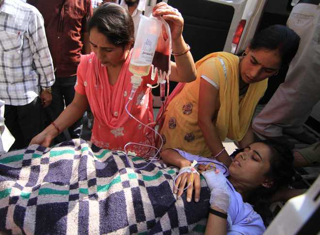 13 dead as mini-bus falls into gorge in Udhampur