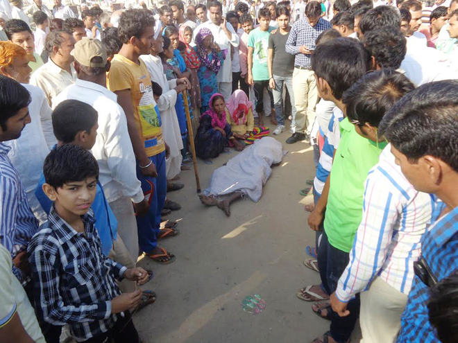 Dalit boy found dead;  two cops booked for murder