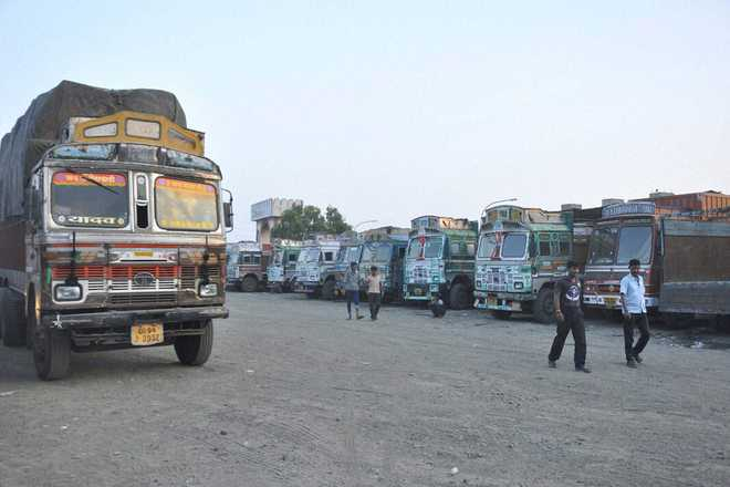 Trucks entering Delhi to pay pollution tax from Sunday