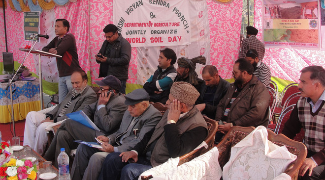 500 farmers in Poonch given soil health card