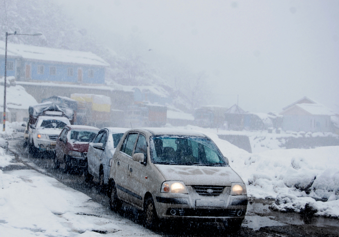 Snow intensifies cold wave in Valley
