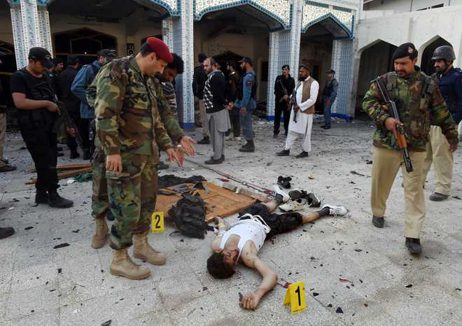 20 killed as militants storm Shia mosque in Pakistan