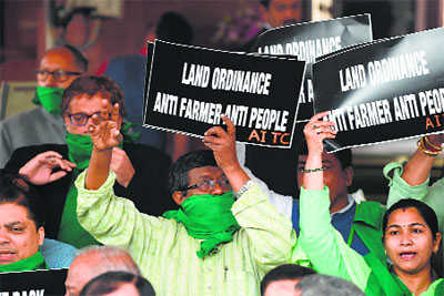 Govt faces ally-Oppn heat as land Bill introduced in LS