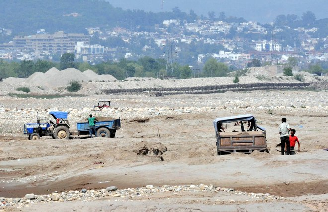 J-K losing Rs 300 crore annually due to illegal sand mining