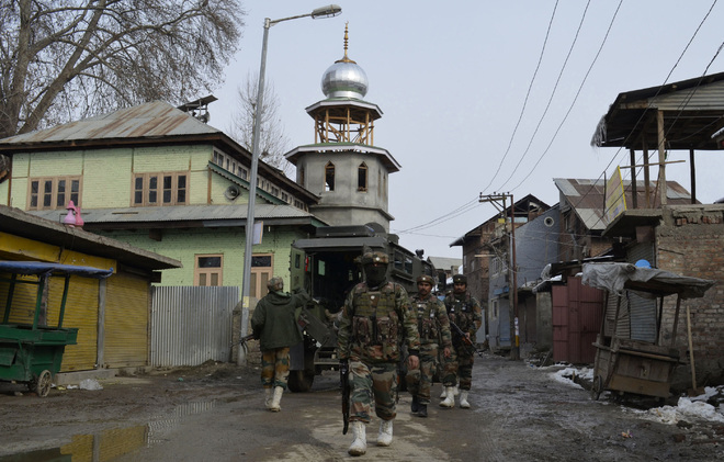Apple town Sopore sees cold war between separatists, militant cadre