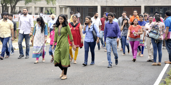 3,872 appear for LLB entrance at PU
