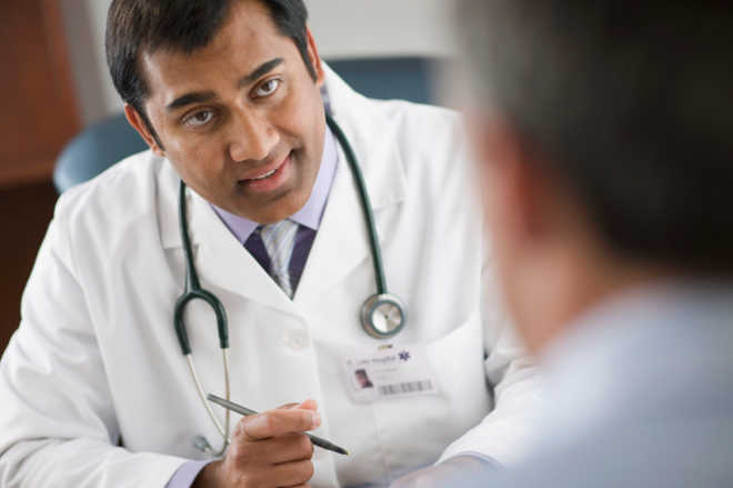 Indian docs' white coats could spread infections