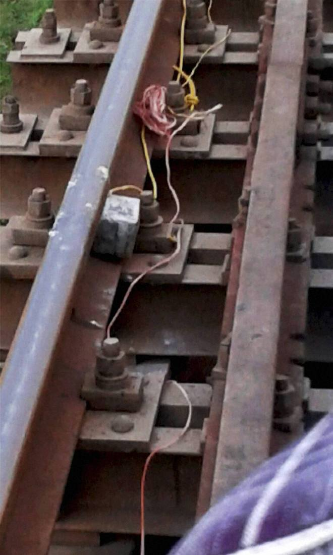 Courageous railway trackman saves 270 lives