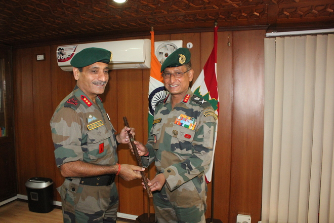 Lt Gen Dua takes over command of 15 Corps