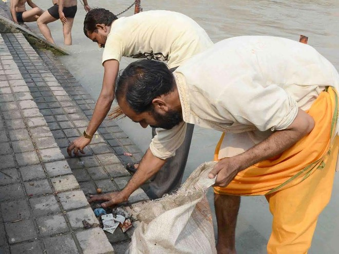 Ganga activists urge NGT to ensure polythene bag ban