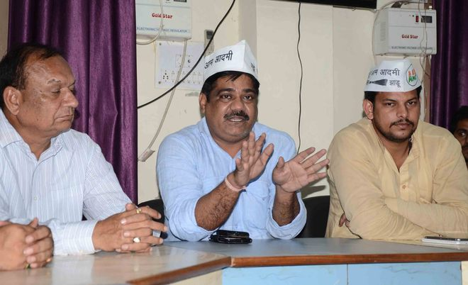 AAP may contest Assembly poll, Kejriwal to take call