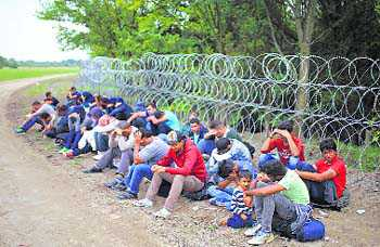 Hungary locks down EU border