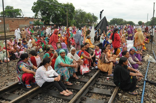 Dera protest derails traffic in Punjab