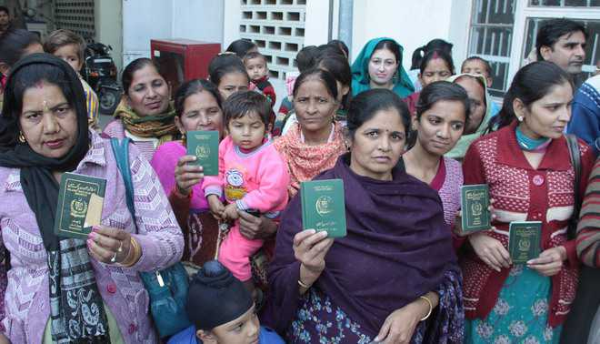 Hindus from Pak want citizenship too