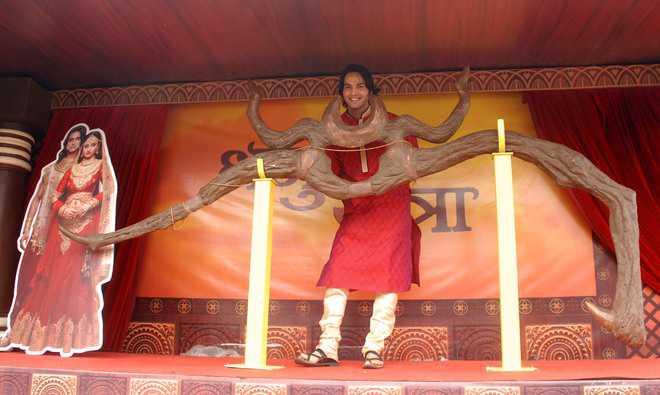 Dhanush Yatra promotes TV show 'Siya ke Ram' in city
