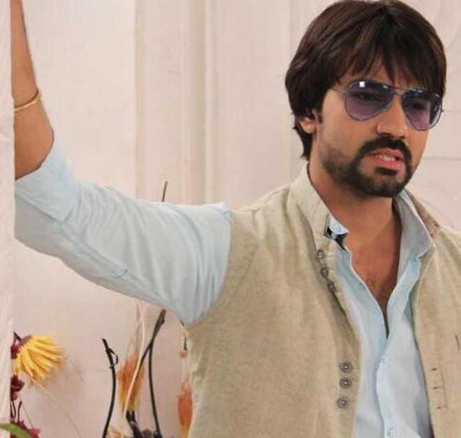Rujut Dahiya to replace Nikhil Arya?