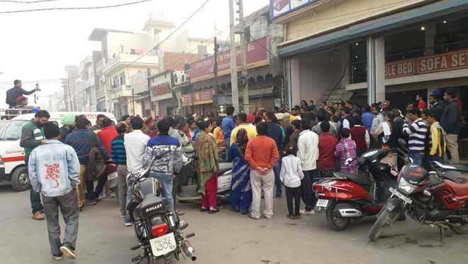 Woman dies outside bank in Ludhiana; kin block road
