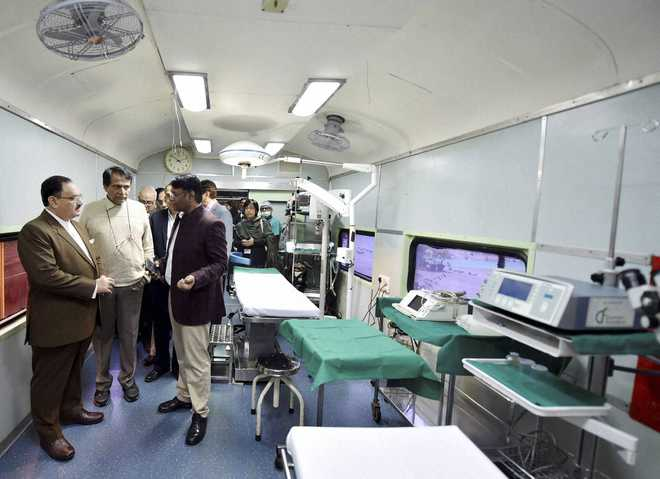 Lifeline Express gets new coaches for cancer, family health services