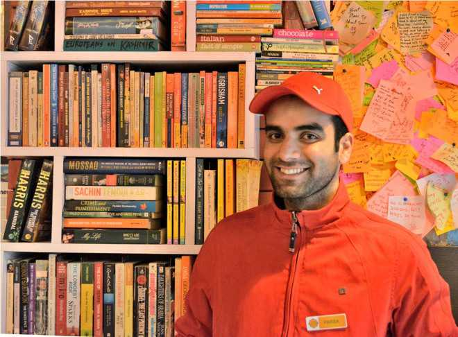 This city eatery dishes out books for youth