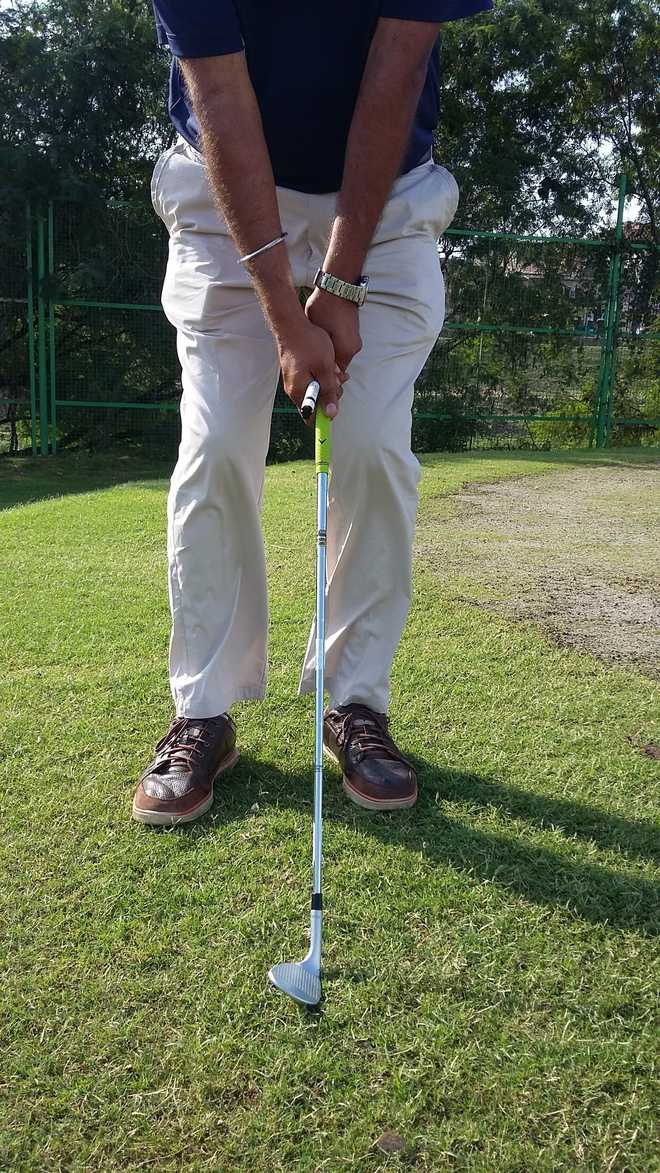 Chip or pitch—position of the wrists