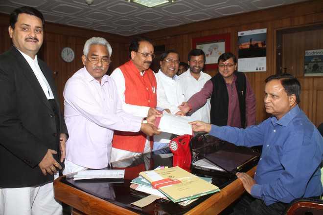 BJP submits petition against Ghansali MLA Bhim Lal Arya