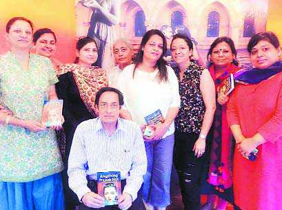 All-woman club a paradise for booklovers