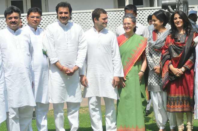 Kuldeep Bishnoi's HJC merges with Congress; Hooda skips function