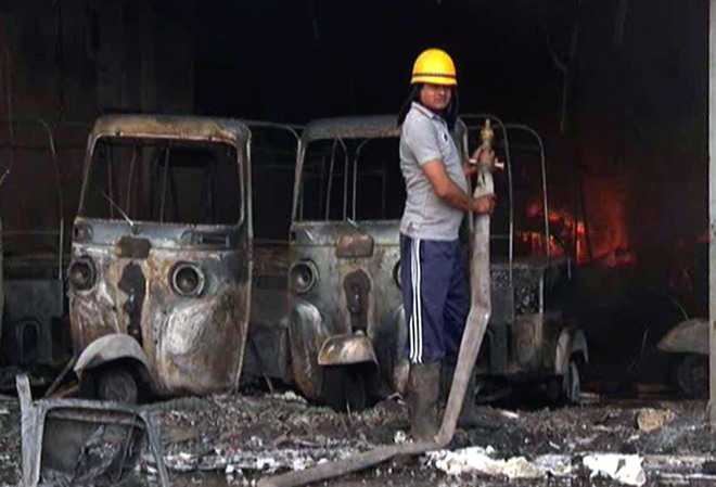 Auto showroom gutted in Gurgaon