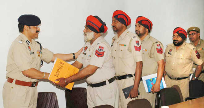 Police Commissioner holds meeting with junior staff
