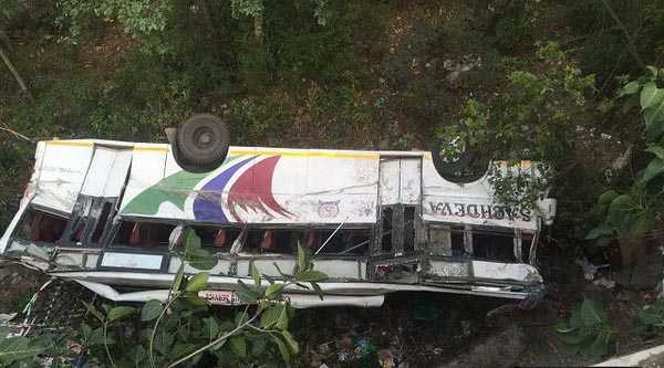 9 killed in two road mishaps in Himachal