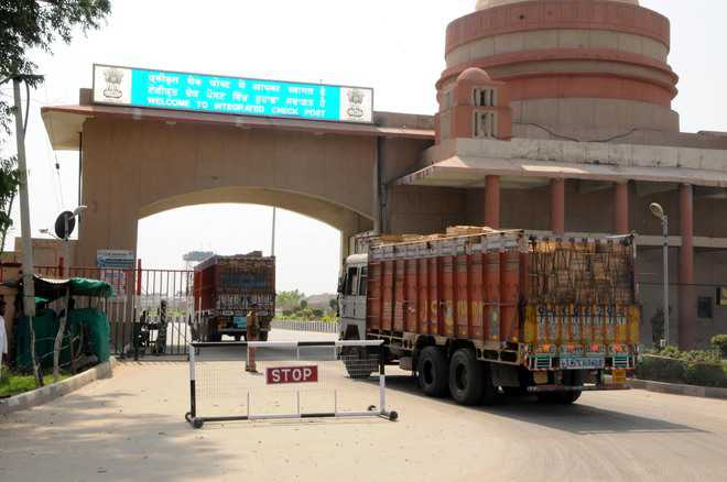 Customs Dept earns Rs 176 cr in 2015-16 fiscal