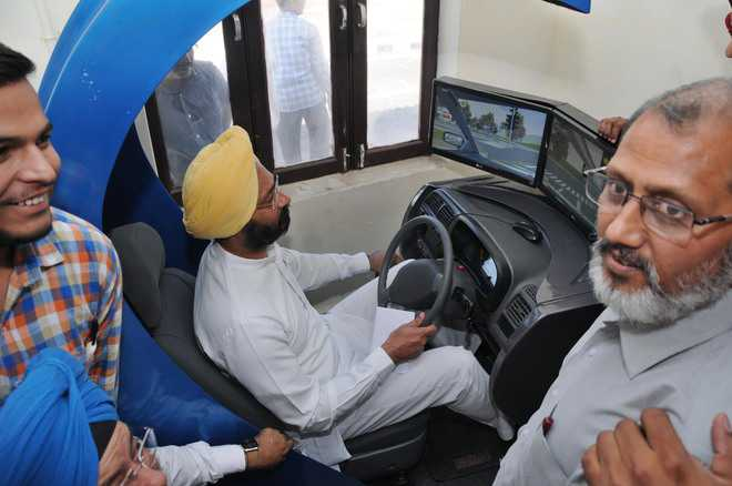 Training Aspirants Starting In Centre Resent Delay Driving