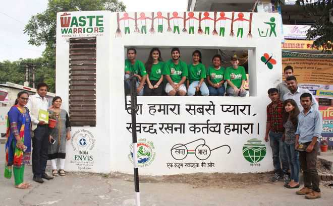 Wall Paintings Mark Clean India Drive